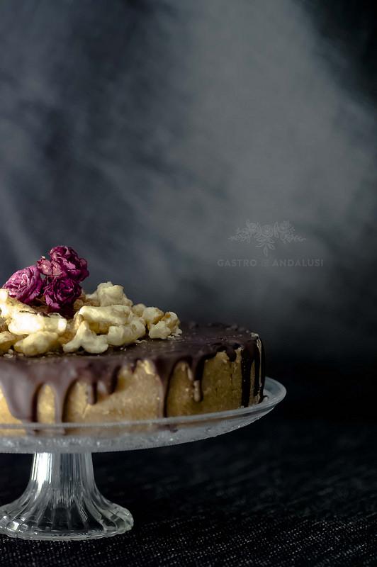 Cheesecake de boniato con chocolate negro y palomitas dulces