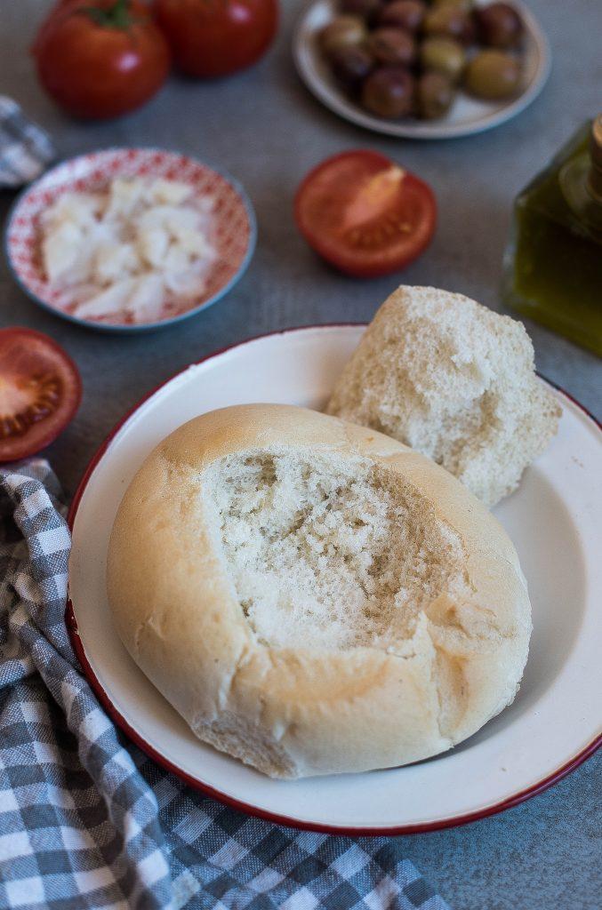 cucharro bañusco baños de la encina pan con aceite